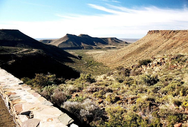 The Great Escarpment in Karoo National Park, South Africa, the site of an NSF-funded study on a past mass extinction event that could improve understanding of the potential effects of modern climate shifts.
