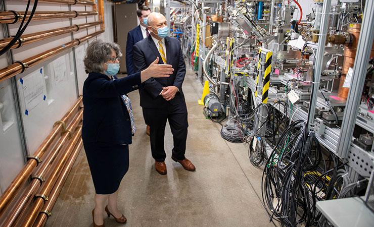 Chris Fall tours Fermilab