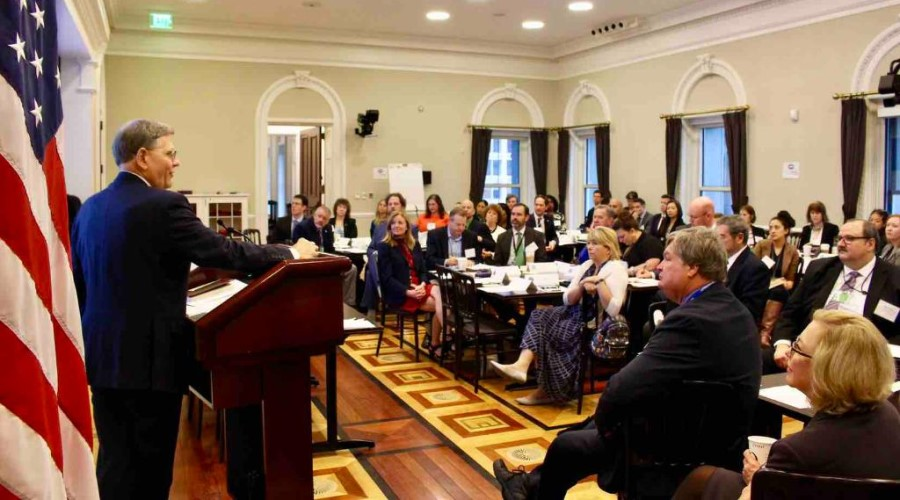 White House Office of Science and Technology Policy Director Kelvin Droegemeier addressing a meeting of federal agency staff on Oct. 31.