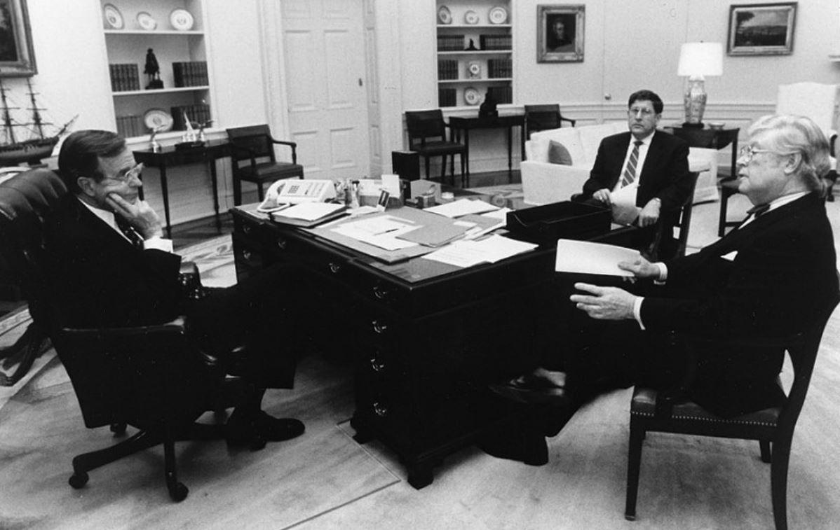 President George H. W. Bush with science advisor David Allan Bromley