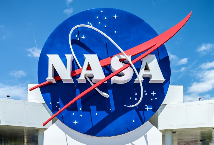 A sign showing the NASA logo