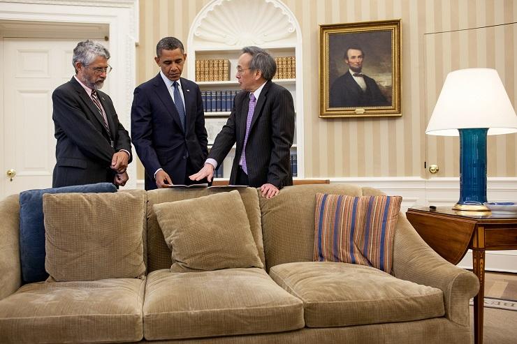 President Obama with his science advisor, John Holdren, left, and his first energy secretary, physicist Steven Chu.