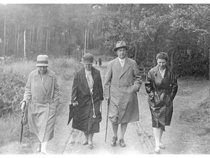 Hedwig Kohn walking with Frau Senftleben, Bergmann and Frau Bergmann.