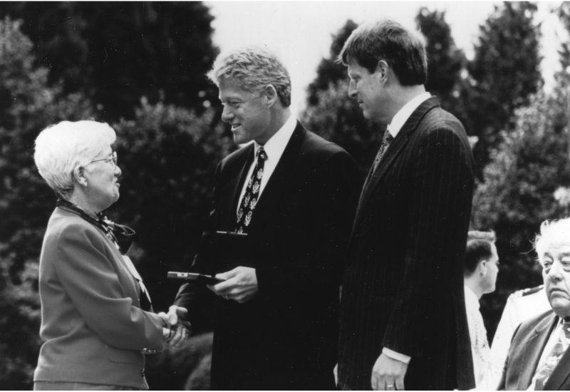 Vera Rubin meets President Clinton and Al Gore.