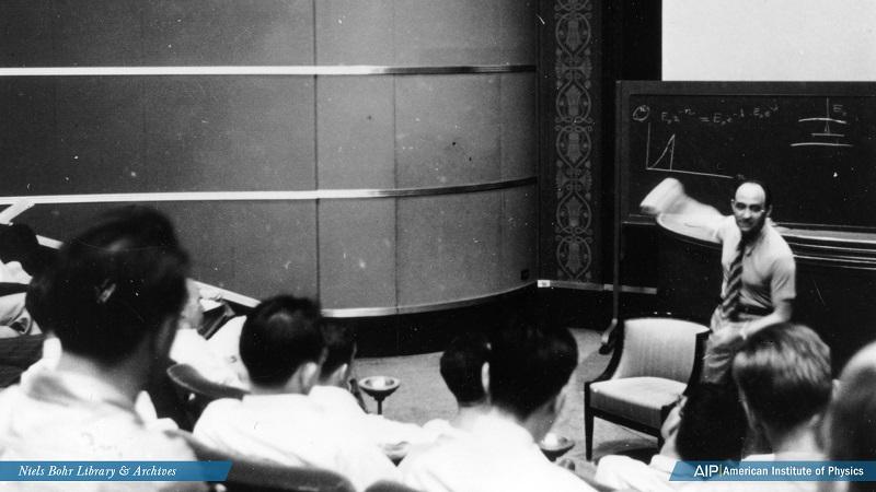 Enrico Fermi gives a lecture