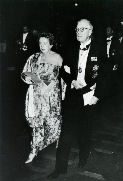 Maria Goeppert Mayer with King Gustav of Sweden at Nobel Prize ceremony, 1963.